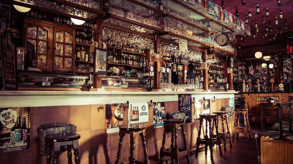 Learning how to bartend online prepares you to start bartending your first day on the job
