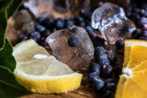 juniper and lemon with ice