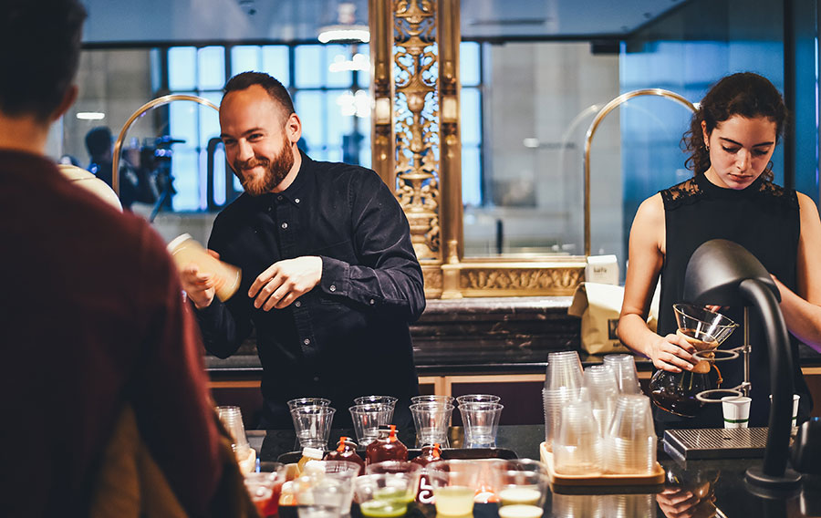 best paid bartenders at work